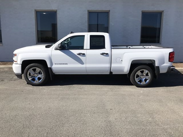 2018 Silverado 1500 Double Cab 4x2,  Pickup #18-1510 - photo 3