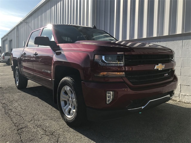2018 Silverado 1500 Crew Cab 4x4,  Pickup #18-2137 - photo 3