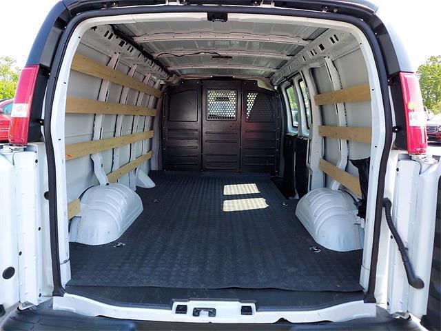 2020 Chevrolet Express 2500 4x2, Empty Cargo Van #A180878 - photo 1