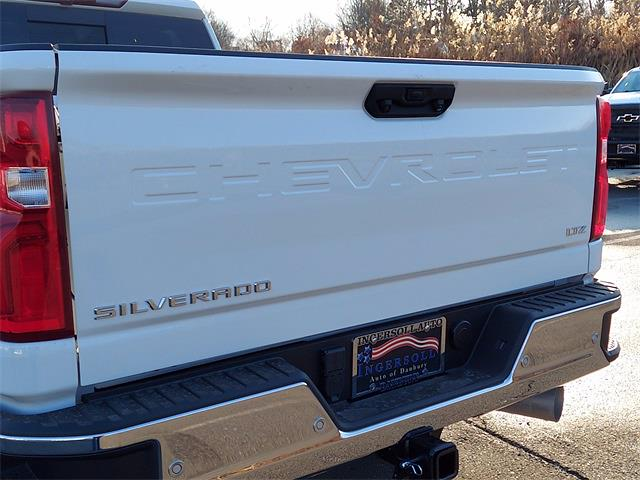 2021 Chevrolet Silverado 2500 Crew Cab 4x4, Pickup #N196335 - photo 17