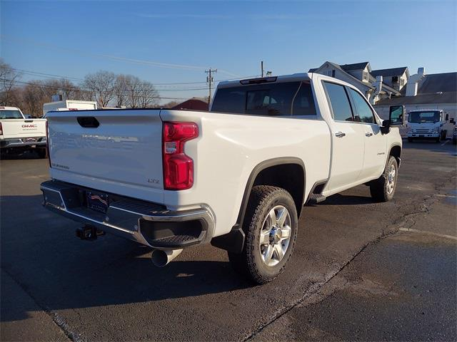 2021 Chevrolet Silverado 2500 Crew Cab 4x4, Pickup #N196335 - photo 2