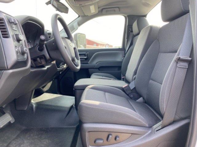 2020 Chevrolet Silverado 5500 Regular Cab DRW 4x4, Cab Chassis #N265981 - photo 9