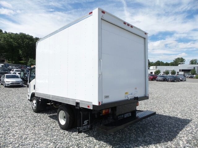 2017 LCF 3500 Regular Cab, Supreme Dry Freight #N800709 - photo 2