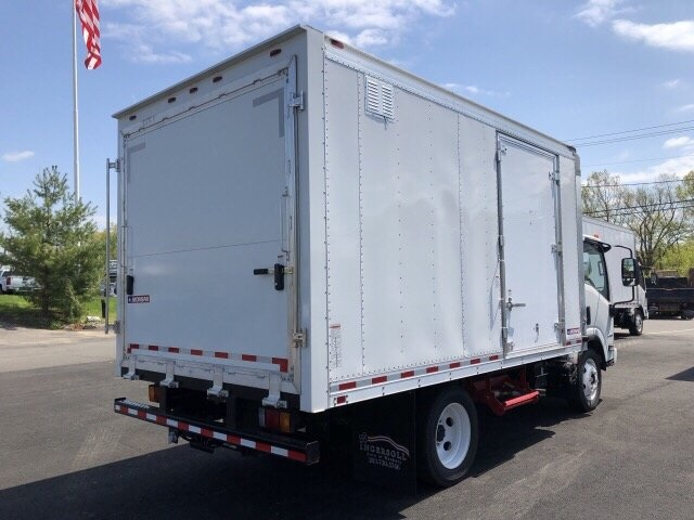 2018 LCF 4500 Regular Cab 4x2,  Morgan Dry Freight #N802257 - photo 3