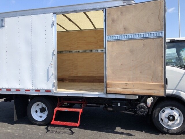 2018 LCF 4500 Regular Cab 4x2,  Morgan Dry Freight #N802257 - photo 9