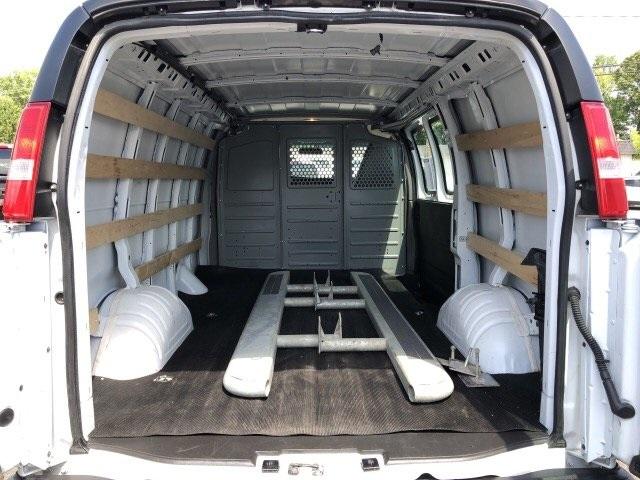 2018 Savana 2500 4x2,  Empty Cargo Van #P906493 - photo 1