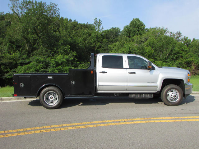 2017 Silverado 3500 Crew Cab 4x4 Hauler Body #44790 - photo 23