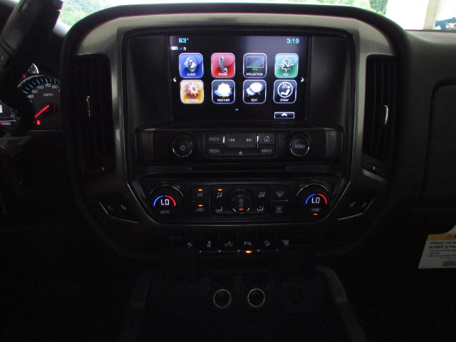 2017 Silverado 2500 Crew Cab 4x4 Pickup #44900 - photo 24