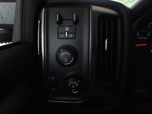 2017 Silverado 2500 Crew Cab 4x4, Pickup #44900 - photo 23