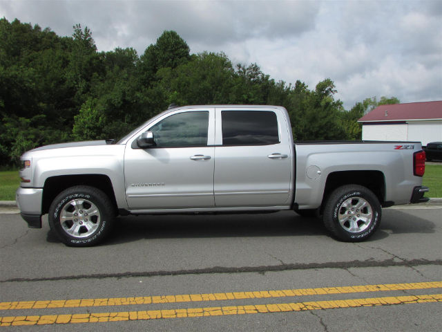 2018 Silverado 1500 Crew Cab 4x4 Pickup #45214 - photo 5