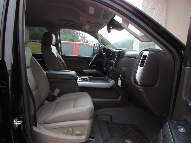 2017 Silverado 2500 Crew Cab 4x4 Pickup #45375 - photo 19