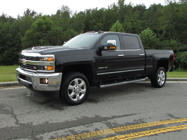 2017 Silverado 2500 Crew Cab 4x4 Pickup #45375 - photo 4