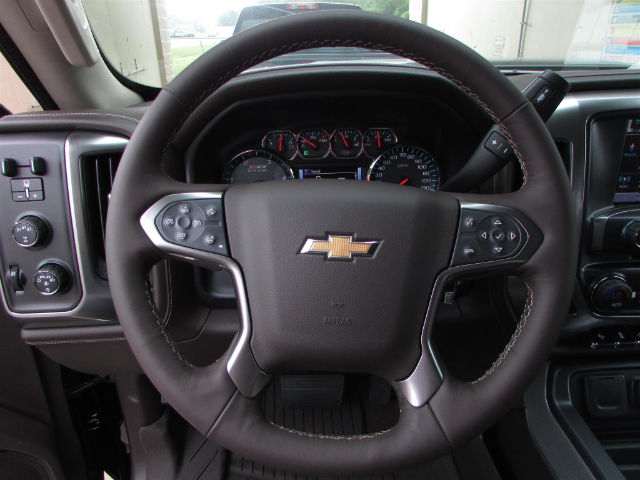 2017 Silverado 2500 Crew Cab 4x4 Pickup #45375 - photo 23
