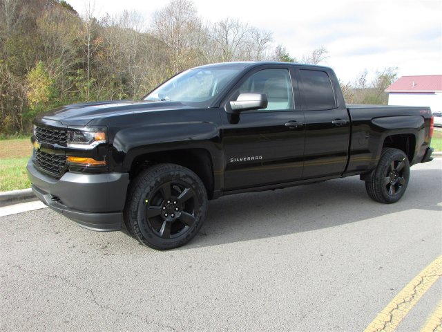 2018 Silverado 1500 Double Cab 4x4,  Pickup #45609 - photo 3