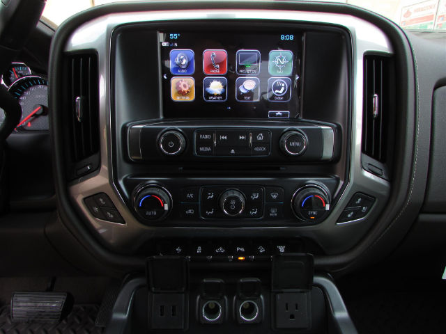 2017 Silverado 2500 Crew Cab 4x4 Pickup #45800 - photo 26