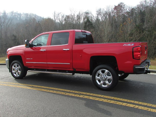 2017 Silverado 2500 Crew Cab 4x4 Pickup #45800 - photo 2