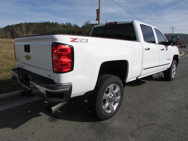 2018 Silverado 2500 Crew Cab 4x4 Pickup #45911 - photo 5