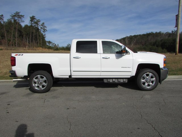 2018 Silverado 2500 Crew Cab 4x4 Pickup #45911 - photo 6
