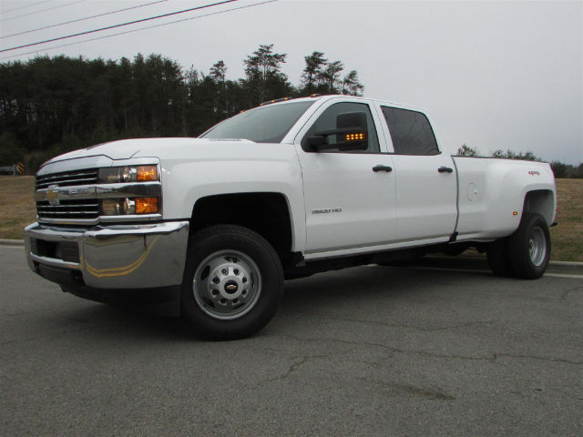 2018 Silverado 3500 Crew Cab 4x4 Pickup #46026 - photo 4