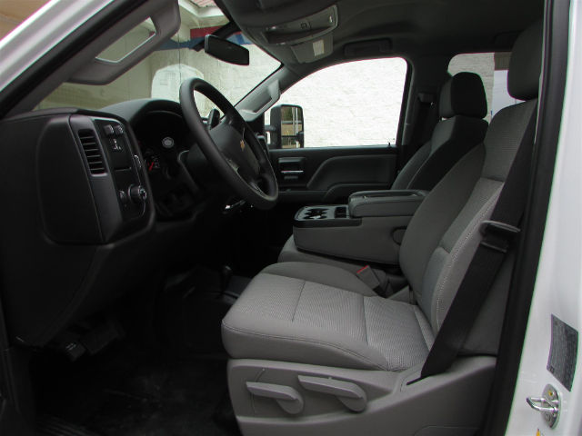 2018 Silverado 3500 Crew Cab 4x4 Pickup #46026 - photo 16