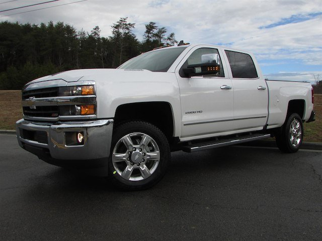 2018 Silverado 2500 Crew Cab 4x4, Pickup #46029 - photo 3