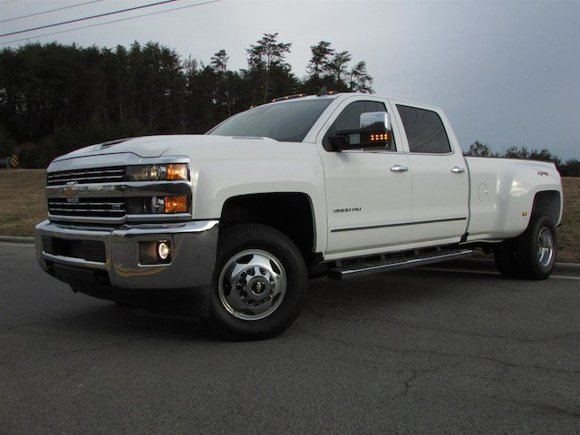 2018 Silverado 3500 Crew Cab 4x4,  Pickup #46048 - photo 3