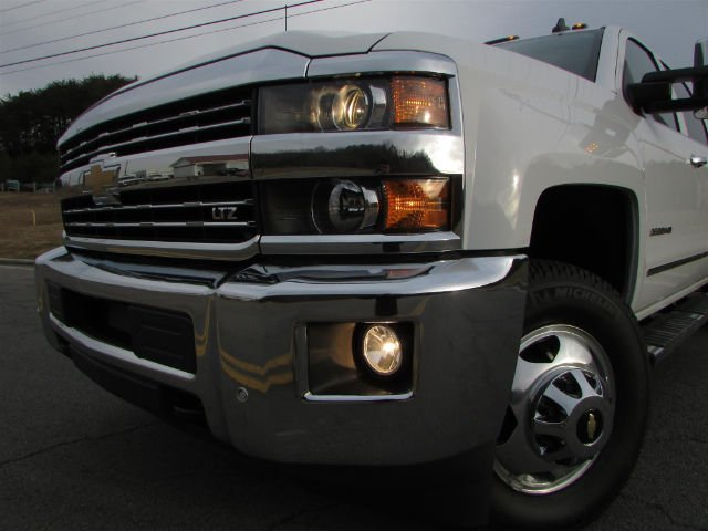 2018 Silverado 3500 Crew Cab 4x4,  Pickup #46048 - photo 10