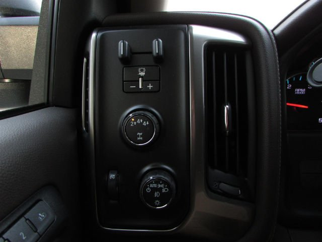 2018 Silverado 3500 Crew Cab 4x4,  Pickup #46048 - photo 21