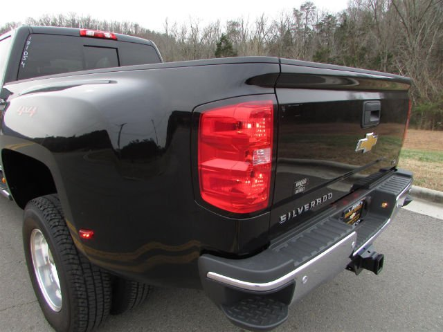 2018 Silverado 3500 Crew Cab 4x4,  Pickup #46053 - photo 14