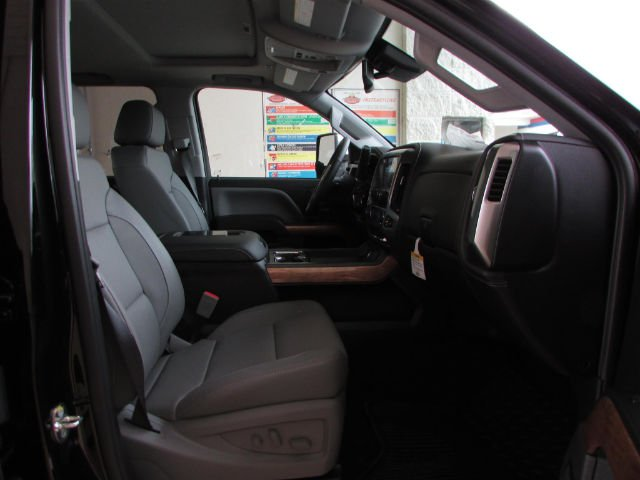 2018 Silverado 3500 Crew Cab 4x4, Pickup #46053 - photo 21