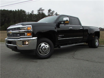2018 Silverado 3500 Crew Cab 4x4,  Pickup #46053 - photo 3