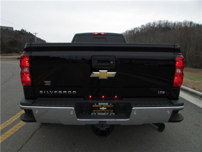 2018 Silverado 3500 Crew Cab 4x4,  Pickup #46053 - photo 11