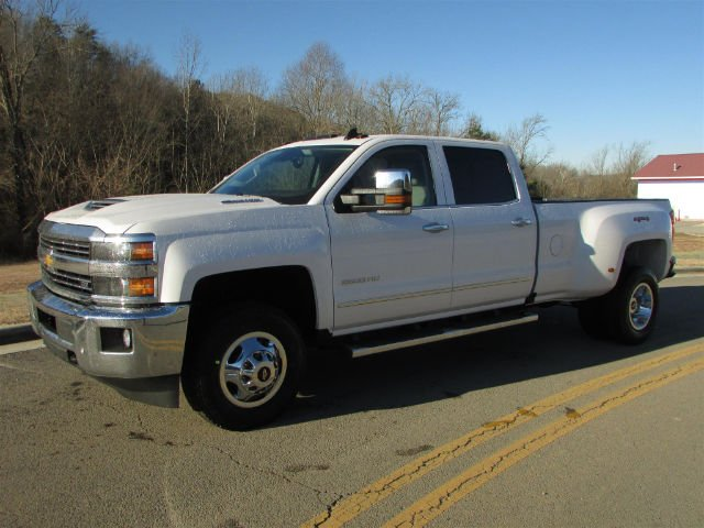 2018 Silverado 3500 Crew Cab 4x4, Pickup #46078 - photo 4