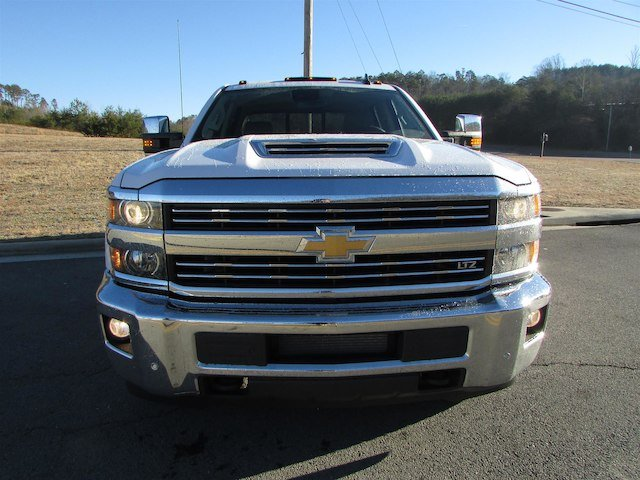 2018 Silverado 3500 Crew Cab 4x4, Pickup #46078 - photo 9