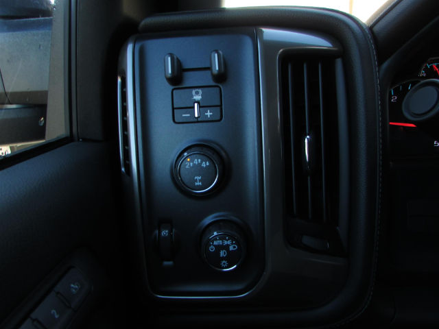2018 Silverado 3500 Crew Cab 4x4, Pickup #46094 - photo 22