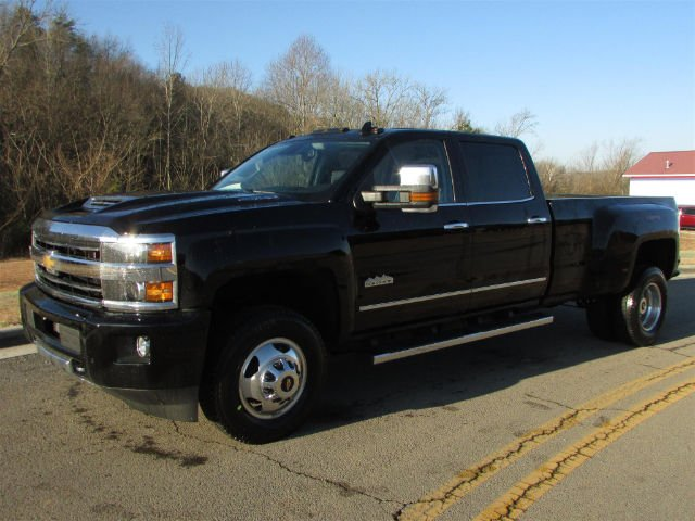 2018 Silverado 3500 Crew Cab 4x4, Pickup #46094 - photo 4