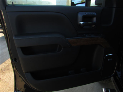 2018 Silverado 3500 Crew Cab 4x4, Pickup #46094 - photo 15