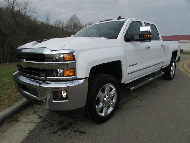 2018 Silverado 2500 Crew Cab 4x4, Pickup #46163 - photo 4