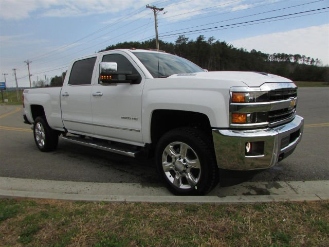 2018 Silverado 2500 Crew Cab 4x4, Pickup #46163 - photo 8