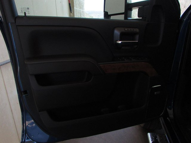 2018 Silverado 2500 Crew Cab 4x4, Pickup #46262 - photo 13