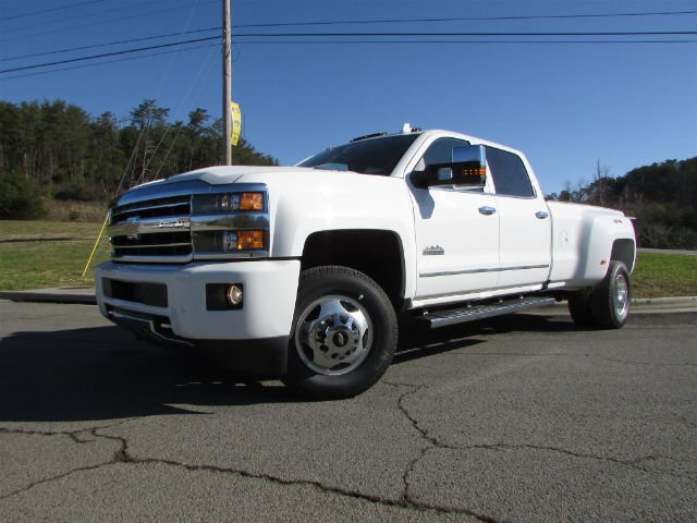 2018 Silverado 3500 Crew Cab 4x4, Pickup #46290 - photo 3