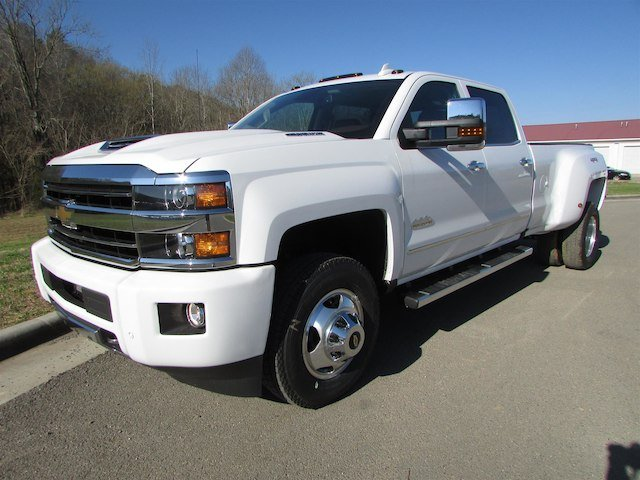 2018 Silverado 3500 Crew Cab 4x4, Pickup #46290 - photo 4
