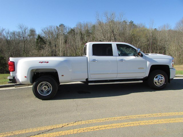 2018 Silverado 3500 Crew Cab 4x4, Pickup #46290 - photo 7