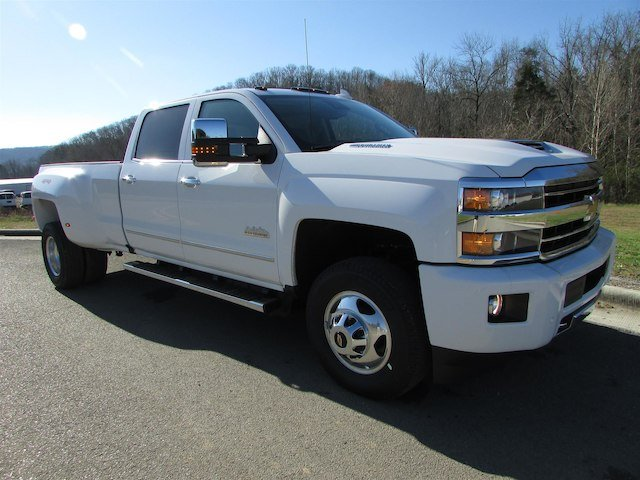 2018 Silverado 3500 Crew Cab 4x4, Pickup #46290 - photo 8