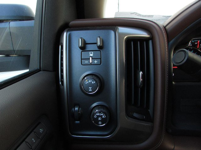2018 Silverado 3500 Crew Cab 4x4, Pickup #46290 - photo 23