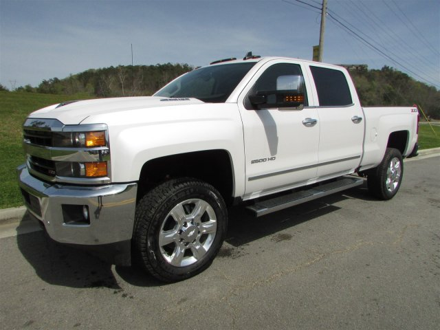 2018 Silverado 2500 Crew Cab 4x4, Pickup #46473 - photo 4