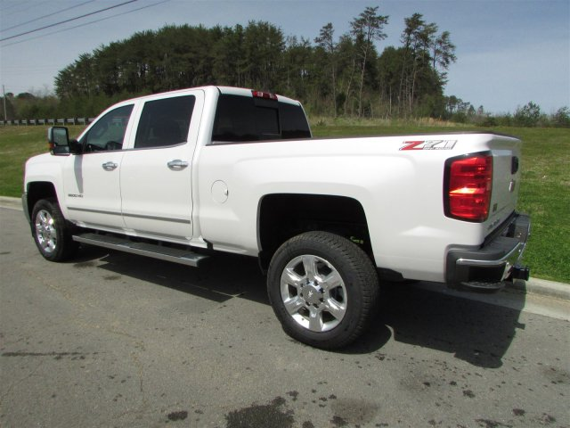 2018 Silverado 2500 Crew Cab 4x4, Pickup #46473 - photo 2