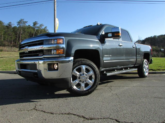 2018 Silverado 2500 Crew Cab 4x4, Pickup #46475 - photo 3