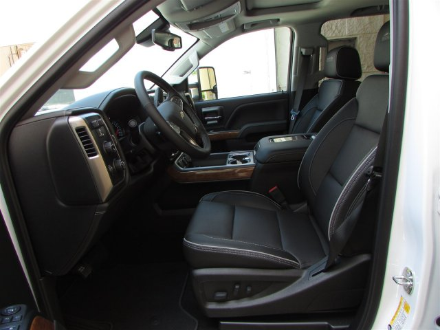 2019 Silverado 2500 Crew Cab 4x4,  Pickup #47007 - photo 17