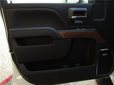 2019 Silverado 2500 Crew Cab 4x4,  Pickup #47007 - photo 16